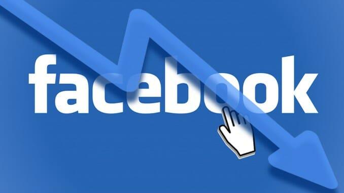 Facebook crolla: negli Usa 25% utenti cancella l'app dal cellulare